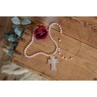 Croix en albâtre blanc écru