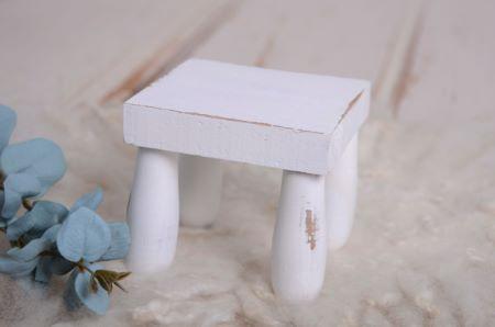 Quadratisches Tischchen in Weiß