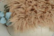 Mittelgroßes Flokati in Kamelfarbe