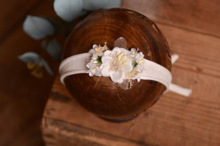 Copricapo floreale bianco - Modello 1