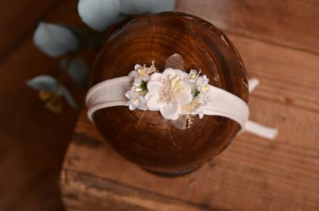Tocado floral blanco - Modelo 1