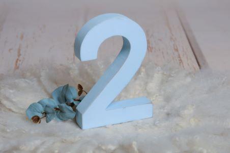 Número dos azul