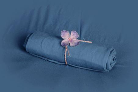 Tela lisa azul tejano