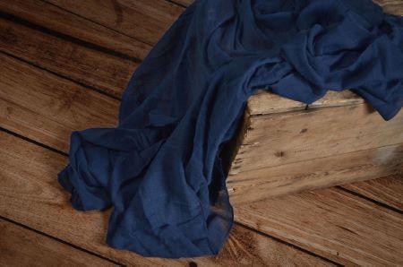 Wrap di mussolina blu scuro
