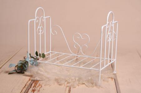 White vintage bed - Model 1
