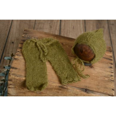 Conjunto de angora pantalón y gorro ajustable verde oliva