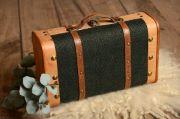 Kleiner Koffer in Dunkelgrün