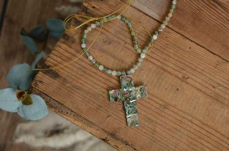 Kreuz aus Alabaster in Grün