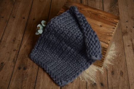 Dark grey plaited blanket