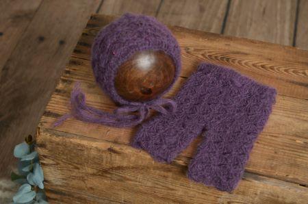 Conjunto de angora pantalón y gorro con perlas morado