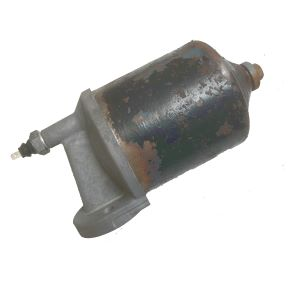 537229 Oil Filter Assembly - used
