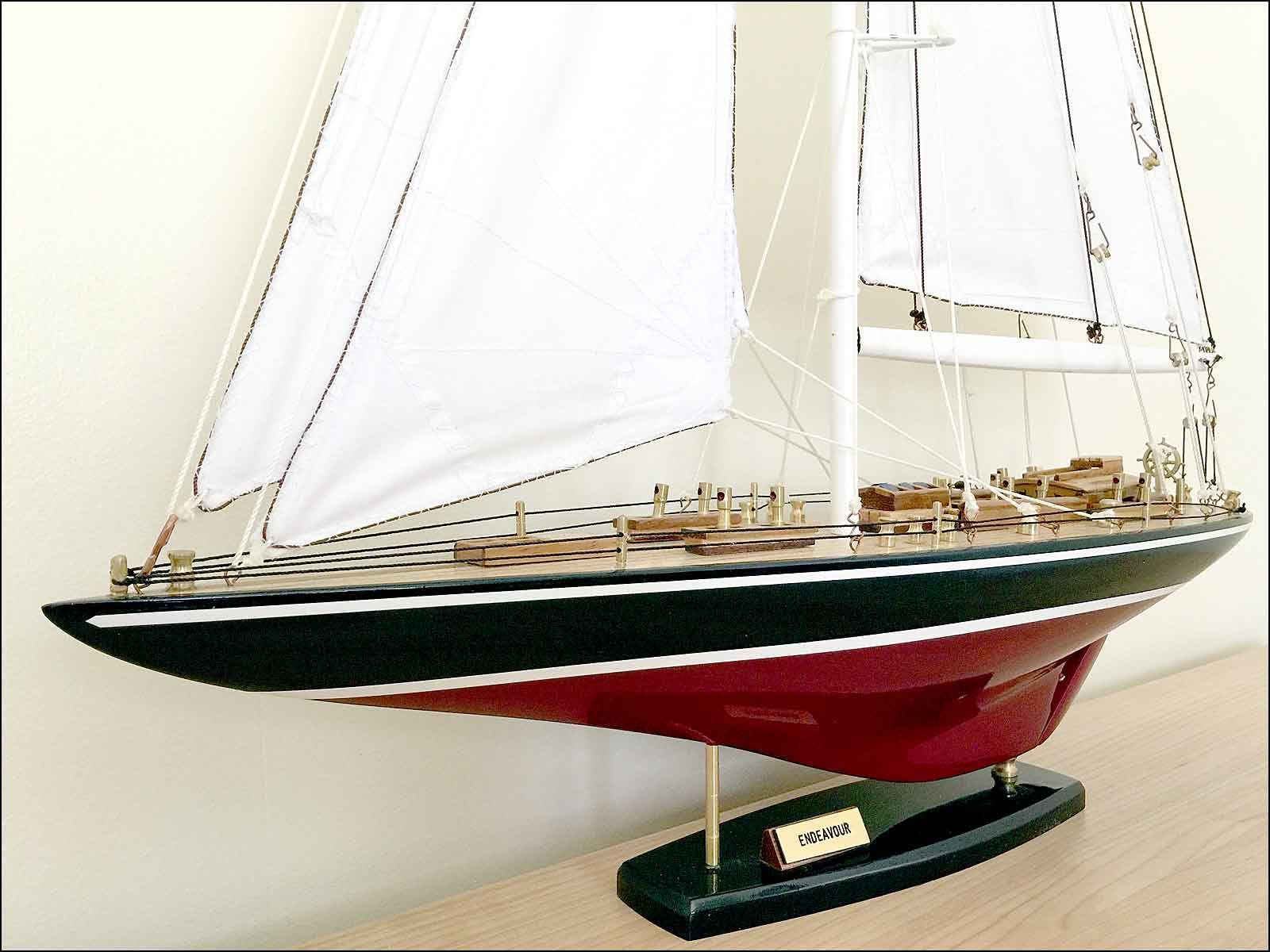 J-Class Endeavour Model Yacht (Black)|Medium Size