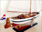 Dutch Marker Roundbow (1990) Model Boat