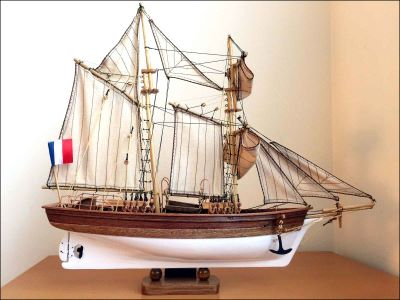 Etoile Schooner Model (1932 France)|Small Size