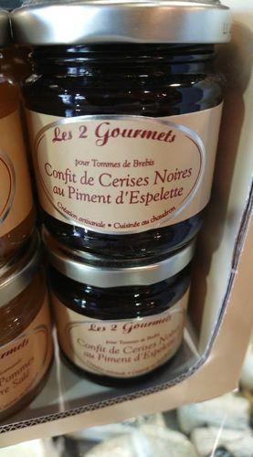 Confit de cerises noires au piment d'espelette