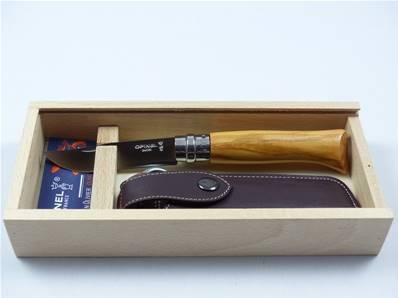 Couteau OPINEL n.8 manche en olivier en coffret bois