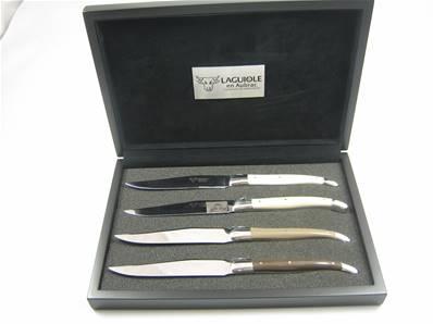 4 couteaux de table Laguiole manche corian