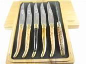 6 couteaux de table Laguiole en Aubrac manches bois assortis