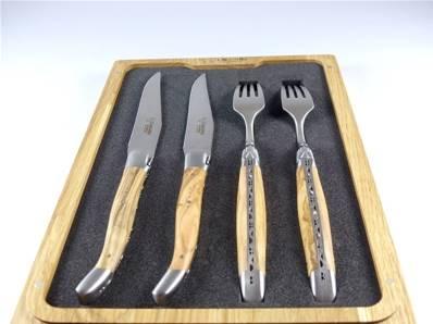 Couteaux fourchettes Tête à tête Laguiole en Aubrac manches olivier