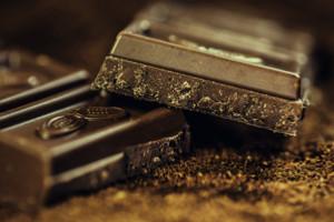 Ajouter une touche d'arôme, prenez un chocolat avec votre café