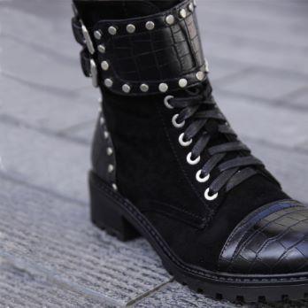 Boots STRANGERS