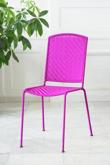 Chaise tissée rose fushia