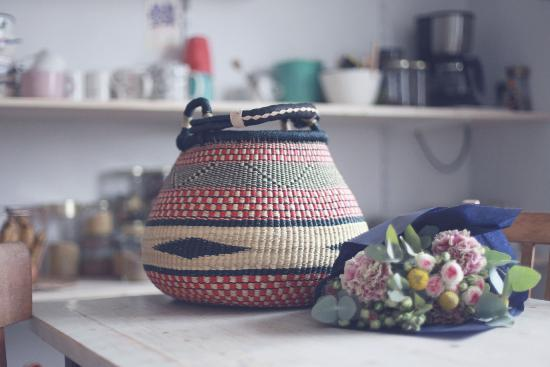 Panier Bintou rouge et bleu foncé