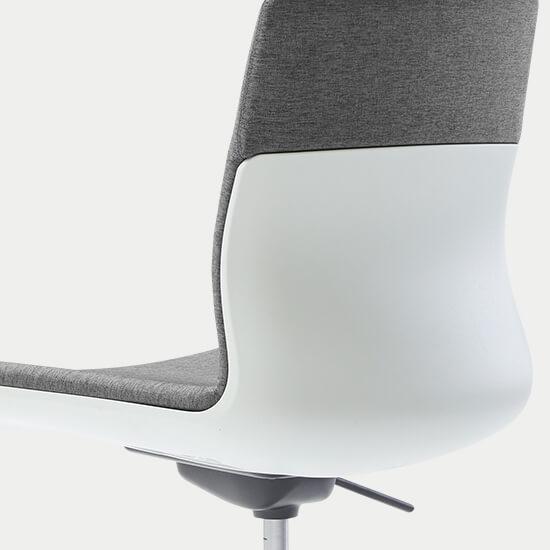 Zoom sur la coque d'assise du siège de bureau Hybrid