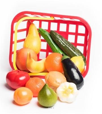 Panier de 14 fruits et legumes artificiels assortis en Plastique soufflé