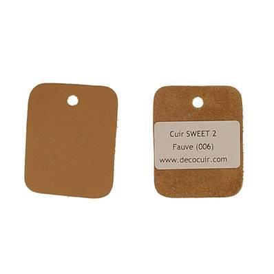 Un échantillon de cuir de vachette SWEET 2 - FAUVE