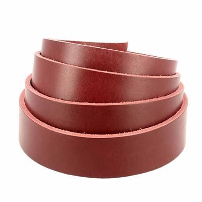 Lanière de cuir de collet nourri - ROUGE CARMIN - Larg 29 mm - Long 120 cm