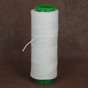 Bobine de fil polyester tressé et ciré - 100 mètres - diam 1 mm - BLANC