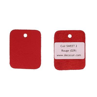 Un échantillon de cuir de vachette SWEET 2 - ROUGE