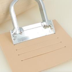 Emporte pièce à frapper Deco Cuir pour fente de format carte bancaire - 58 mm