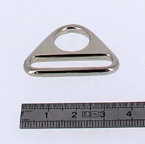 Anneau triangle - nickelé - 27x30 mm