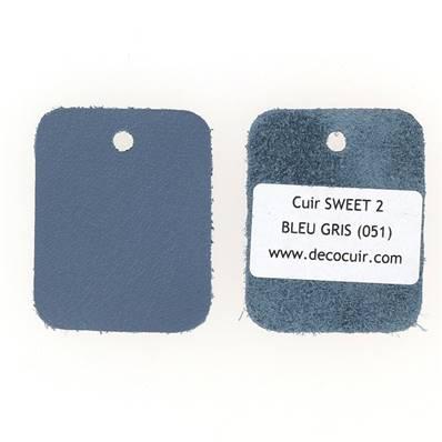 Un échantillon de cuir de vachette SWEET 2 - BLEU GRIS