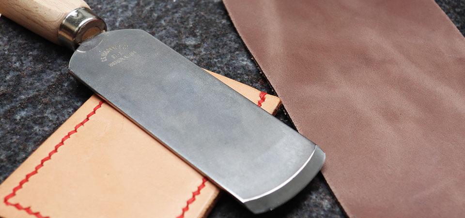 Vidéo - Comment parer le cuir et faire un rembord ?