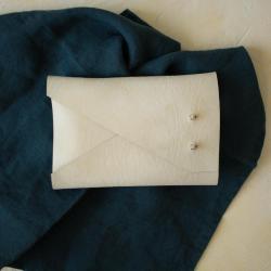Kit complet pochette en cuir sans couture