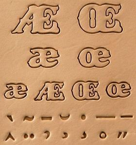 Jeu de 22 matoirs - Accents d'alphabet - de 1,27 à 1,9 cm - 8155