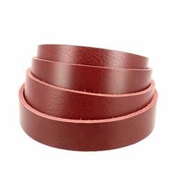 Lanière de cuir de collet nourri - ROUGE CARMIN - Larg 24 mm - Long 120 cm