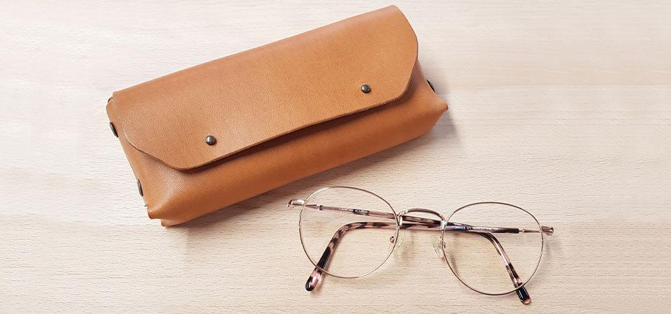 Créer un étui à lunettes en cuir sans couture
