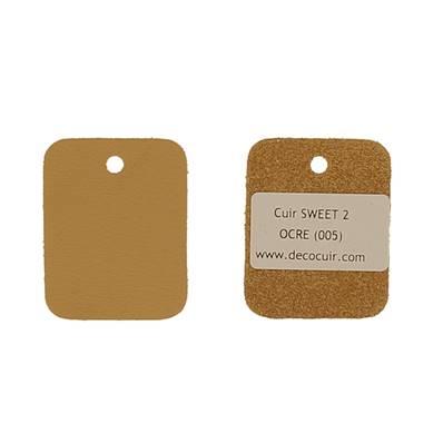 Un échantillon de cuir de vachette SWEET 2 - OCRE