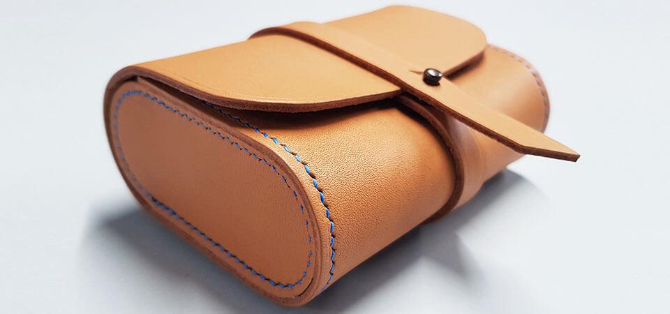 Apprendre la couture d'angle - confection d'une Choupette© en cuir