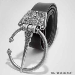 Lanière de cuir de collet nourri - NOIR - Larg 39 mm - Long 120 cm