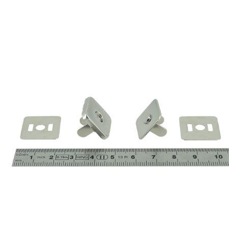 TOP magnétic - Fermoir carré - 19x19 mm - Nickelé