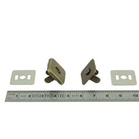 TOP magnétic - Fermoir carré - 19x19 mm - Laiton vieilli