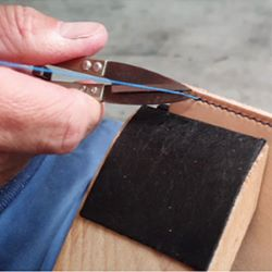 Coupe fil en métal