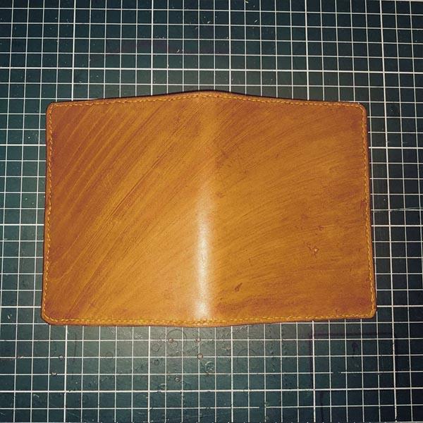 porte-passeport en cuir