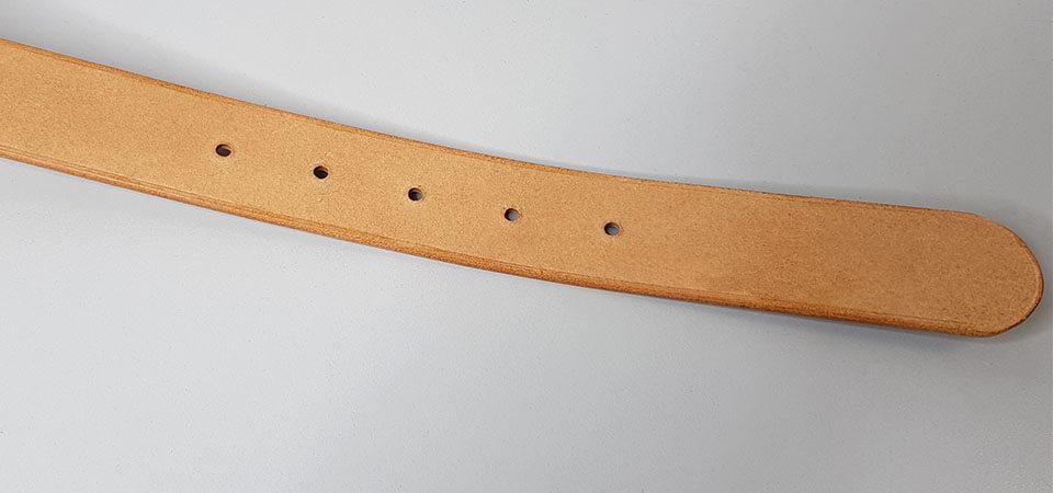 travail côté croûte cuir ceinture