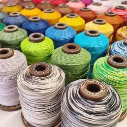 bobines de fil cuir